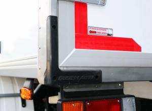 cao su chống va đập ở góc thùng xe tải