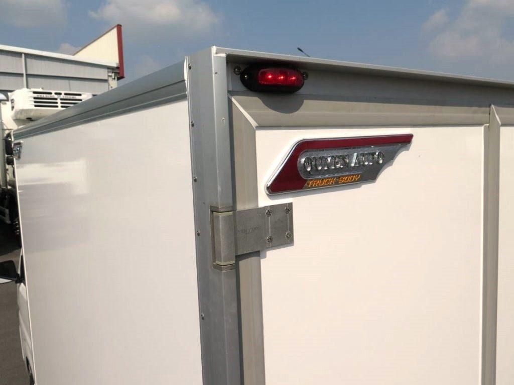 khung trụ và bản lề xe tải đông lạnh suzuki carry pro 2019