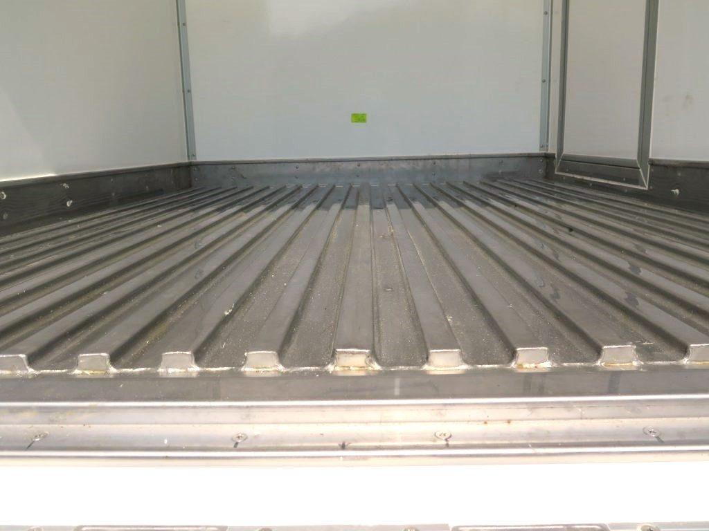 sàn thùng Xe tải đông lạnh Suzuki carry pro 2019 lượn sóng chống trượt