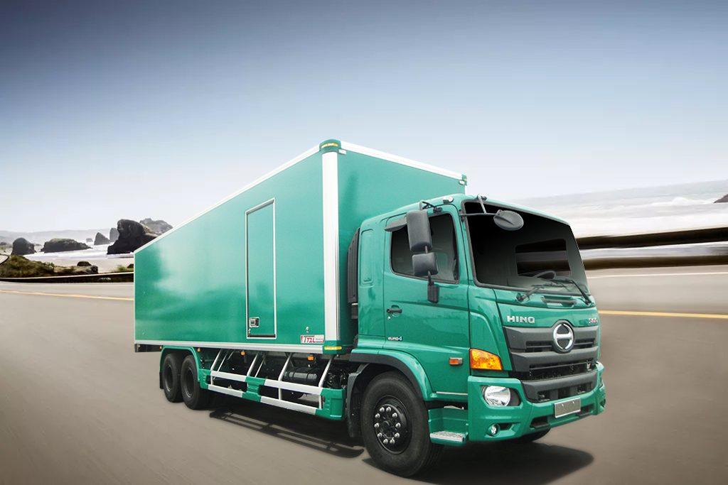 Thùng xe tải kín trên nền xe hino
