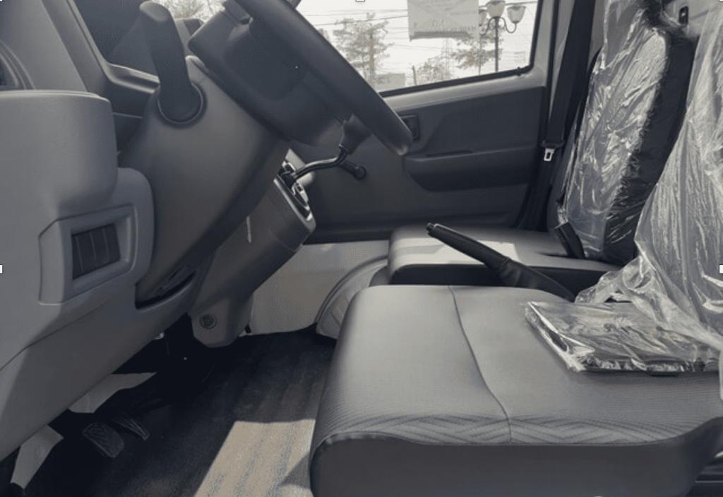 ghế lái của xe đủ độ rộng