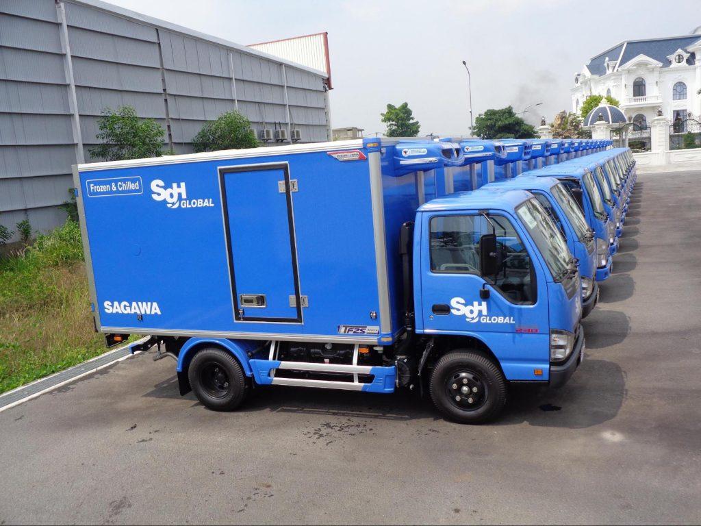 Xe tải ISUZU QKR77FE4 đóng thùng tại Quyền Auto