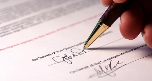 Nếu chưa có kinh nghiệm mua xe tải mới cần chú ý các điều khoản và chính sách bảo hành ở hợp đồng
