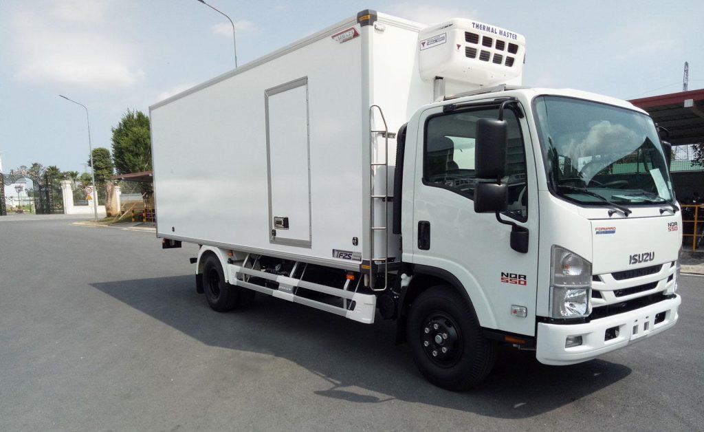 Xe tải đông lạnh ISUZU NQR75 EURO4
