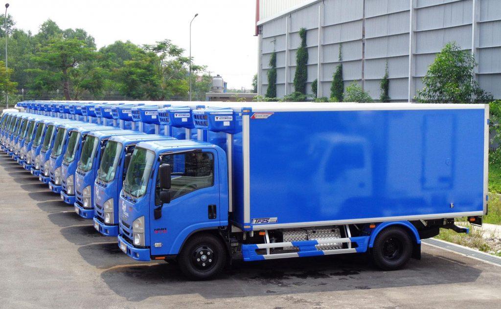 Xe tải đông lạnh ISUZU NMR85HE4